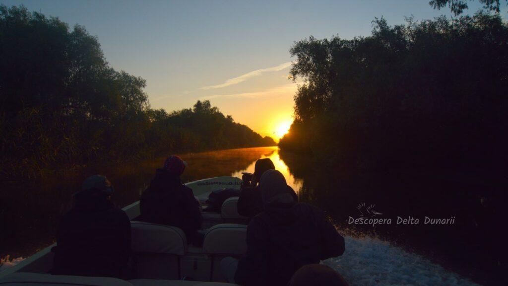 "Excursie de o zi in Delta Dunarii ""eTour"", cu barca DESCHISA – program PRIVAT"