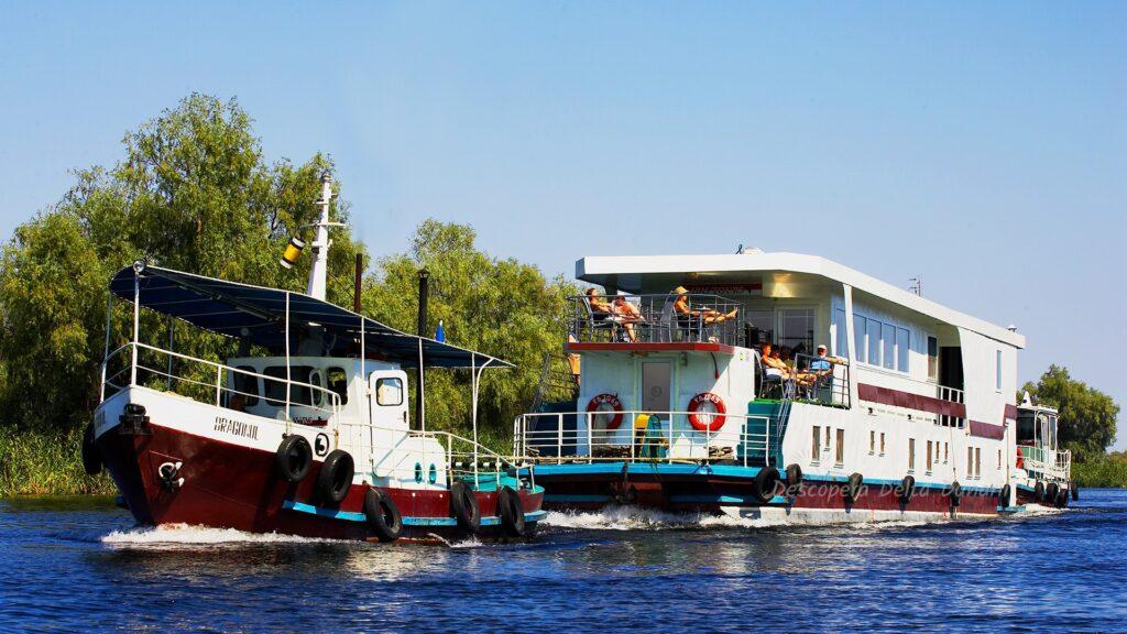 Galerie foto: Hotel plutitor Ibis (Croaziere)