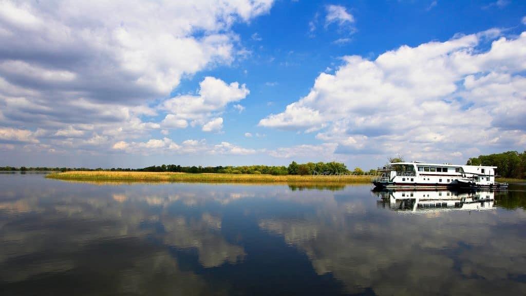Croazieră în Delta Dunării cu hotel plutitor, 3z/2n, program complet 2021